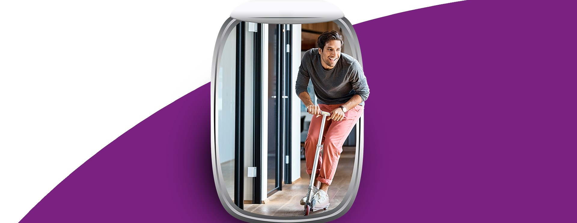 Be as flexible as this man on a scooter with the AirPlus Corporate Card