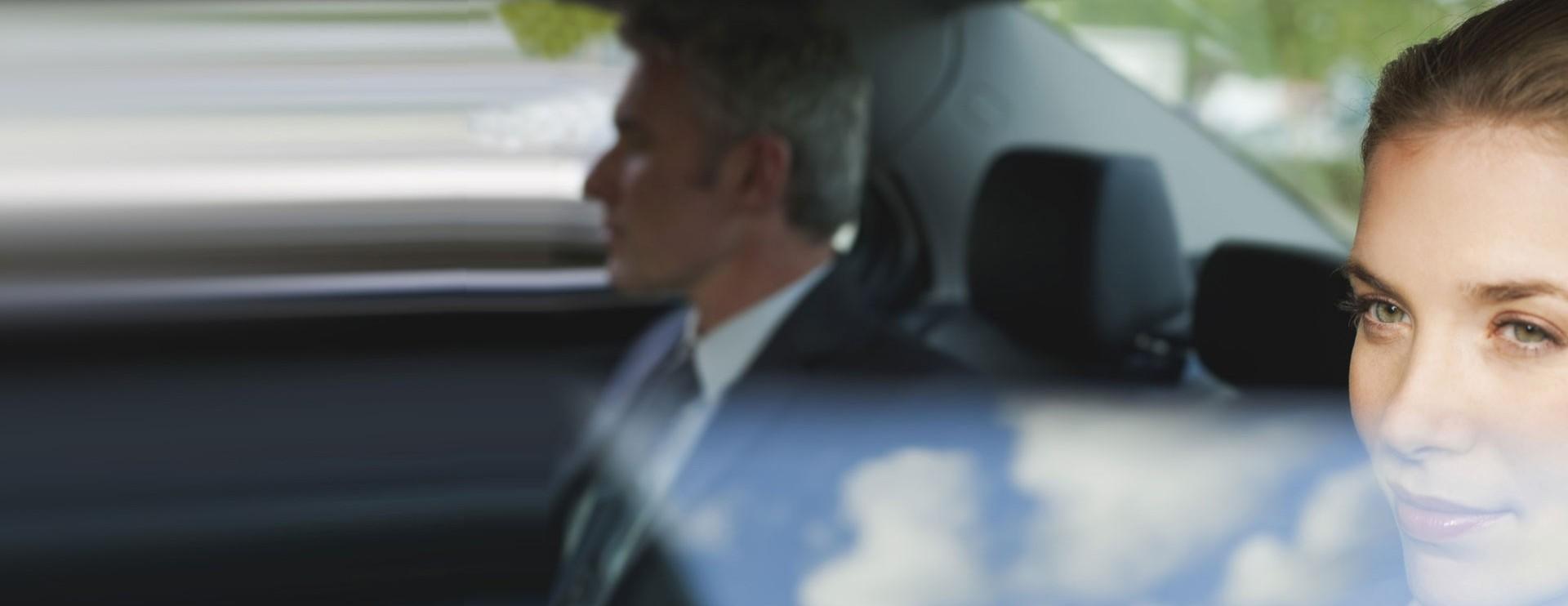 Colleghi in viaggio in auto