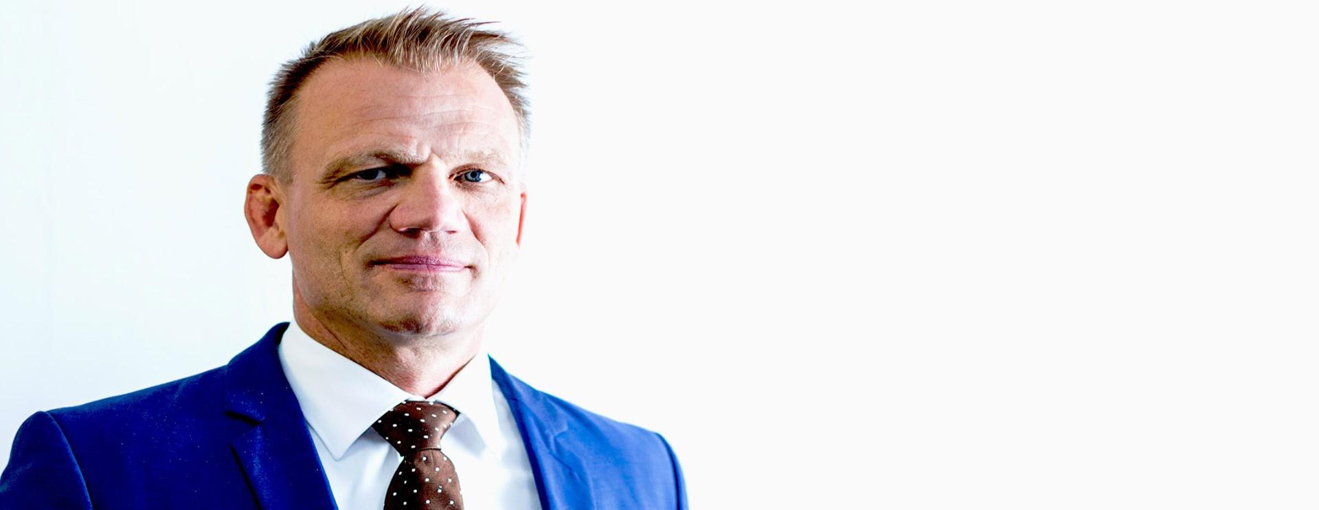 Eric Zymna Portrait